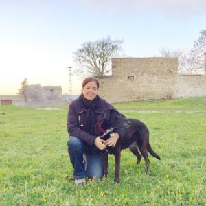 Miss Lili lleva muchos años trabajando con la familia que es el Marbella Study centre y sus estudiantes.
