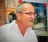 Mr Mike Profesor en el Marbella Study Centre desde 1984